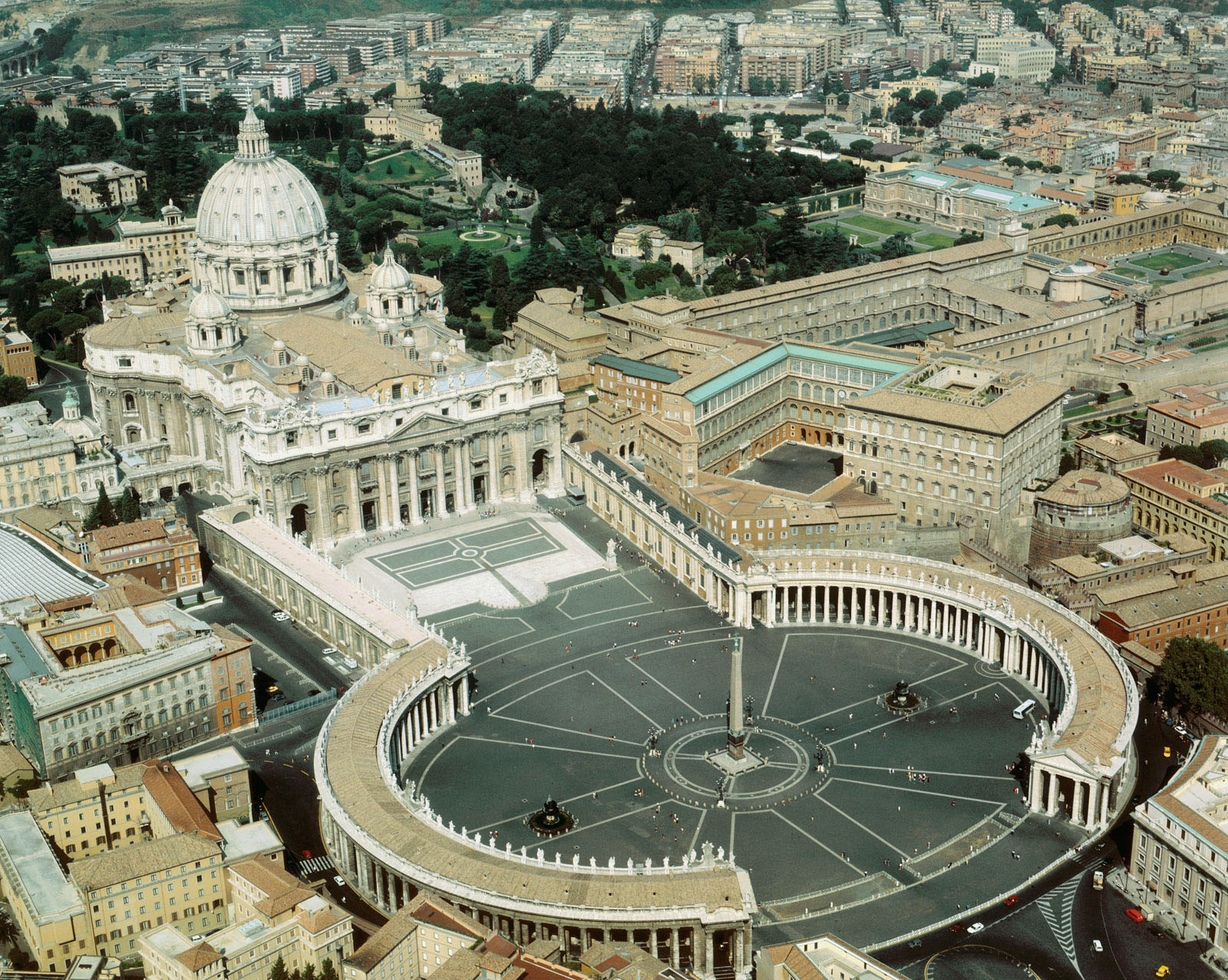 1656-1667, Vatican City, Rome, Italy --- Aerial view of St. Peter's Basilica and of St. Peter's Square in the Vatican. --- Image by © Alinari Archives/CORBIS